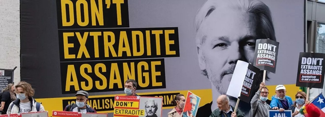 Demonstrators demand the release of Julian Assange